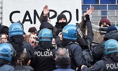 Sgomberato centro sociale Asilo, arrestati 6 anarchici