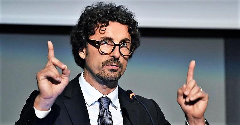 """Toninelli vuole una """"gestione pubblica"""". Biancofiore: """"La società è già pubblica"""". Lupi: """"A ogni ignoranza c'è un limite"""""""