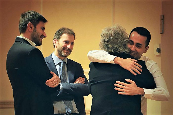 """Di Maio punta tutto su Conte premier: """"Lui o voto"""". Pd al bivio, Lega ancora in attesa"""