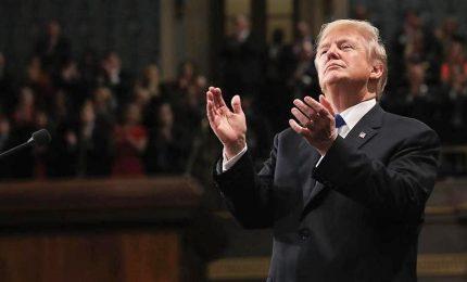 """Trump a Capitol Hill """"cercando"""" l'unità. Ma sul muro non molla"""