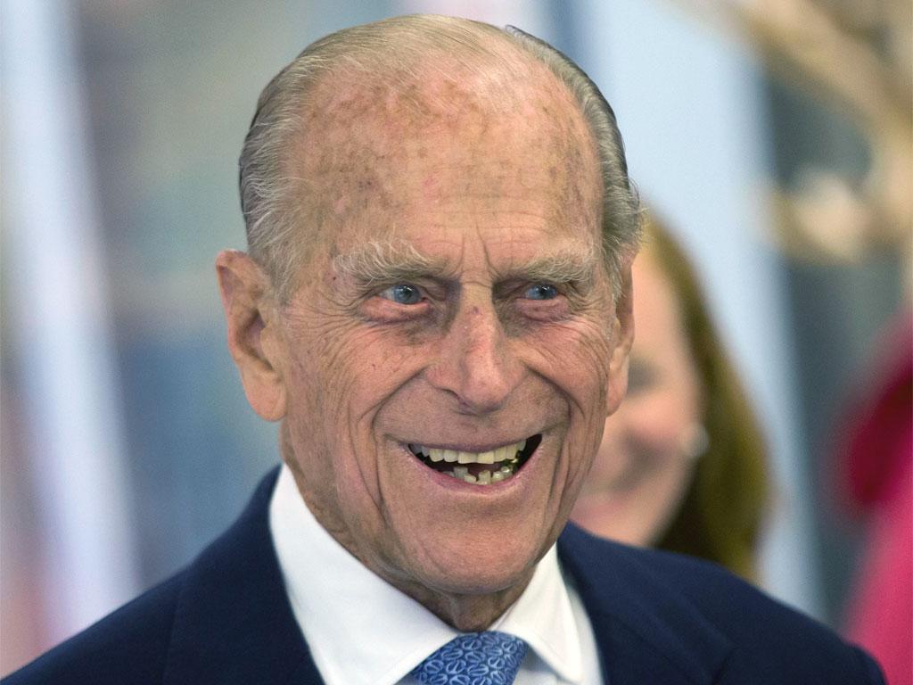 A 97 anni, principe Filippo rinuncia alla patente