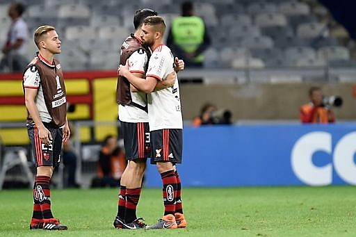Incendio al Flamengo, almeno 10 morti