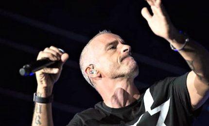 """Al via il """"Vita ce n'è World Tour"""", trionfo per Ramazzotti"""