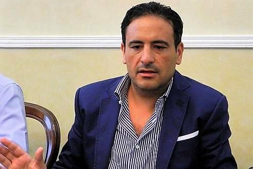 Ex sindaco di Scafati annuncia suicidio su Fb, i familiari lo salvano