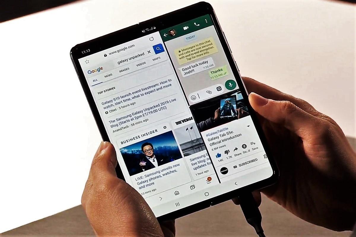 Samsung brucia concorrenti, telefono pieghevole e 5G