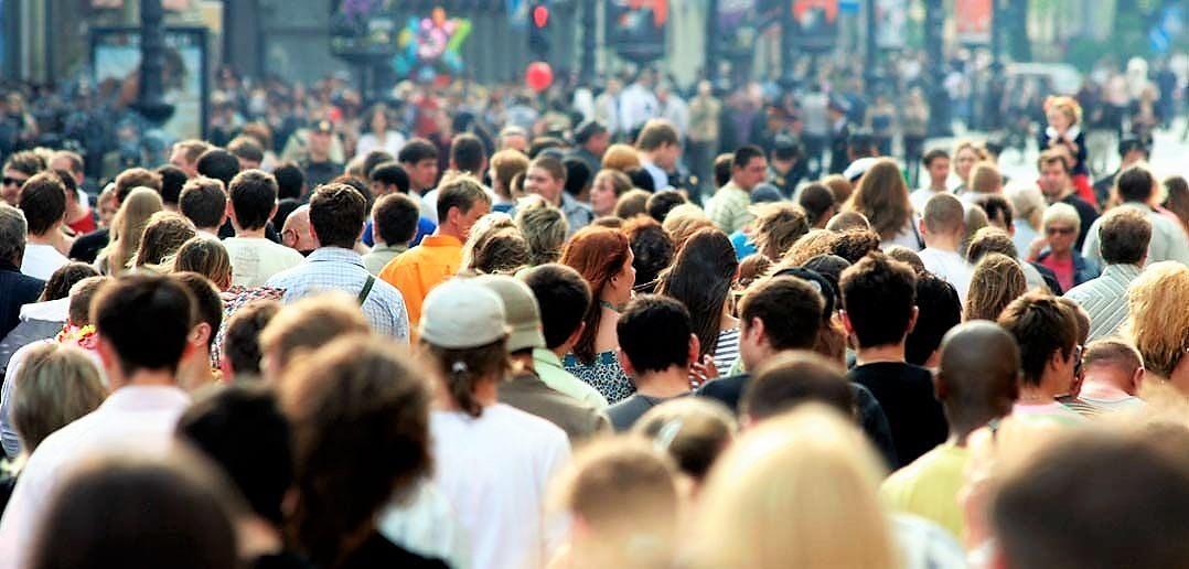 Il divario retributivo, i cittadini e i loro leader politici