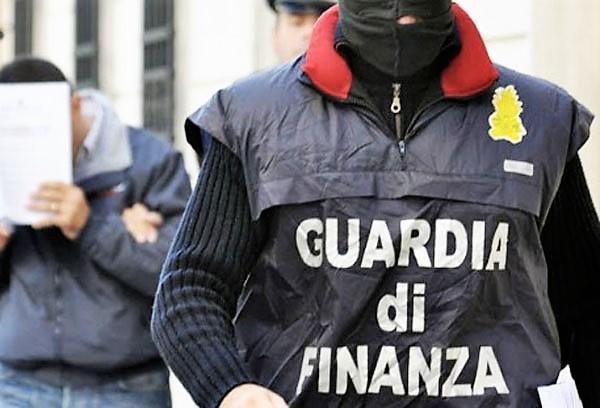Camorra in Veneto: tra gli arrestati, sindaco, direttore banca e agenti polizia