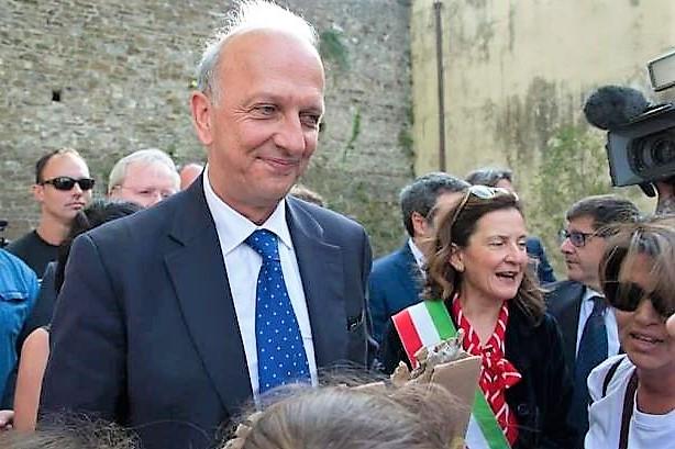 Bufera su Bussetti, la Lega lo difende ma Di Maio lo asfalta: ministro hai detto una fesseria, chiedi scusa
