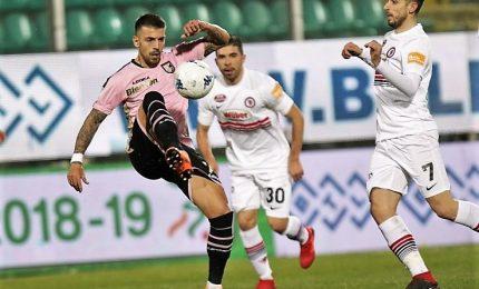 Palermo-Foggia 0-0, i rosanero perdono la vetta