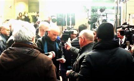 Bagno di folla per Eros Ramazzotti prima della serata