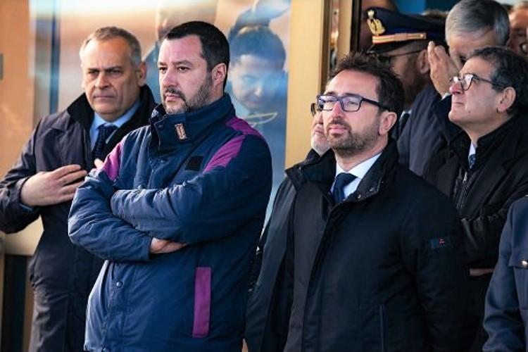 Arrivo-show di Battisti, procura chiede archiviazione indagine su Salvini e Bonafede