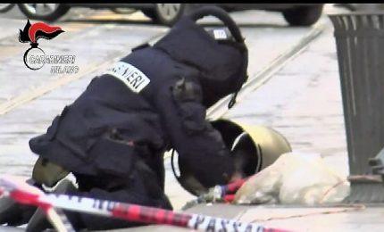 Allarme per finta bomba lasciata in un cestino in centro a Milano