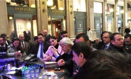 Caffè con Conte, Sgarbi e Salvini, che dice: insulti da Gabanelli