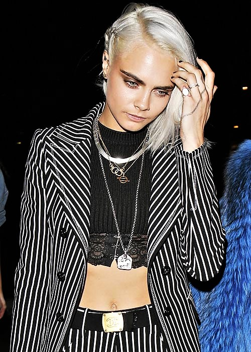 Il look della modella Cara Delevingne