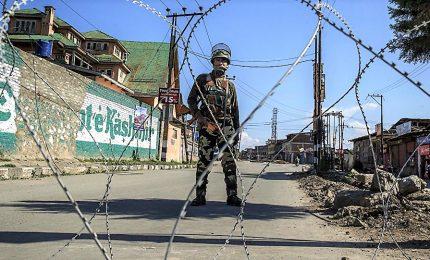 """India-Pakistan, è tregua armata. Scontri tra forze indiane e """"terroristi"""", almeno 6 morti"""