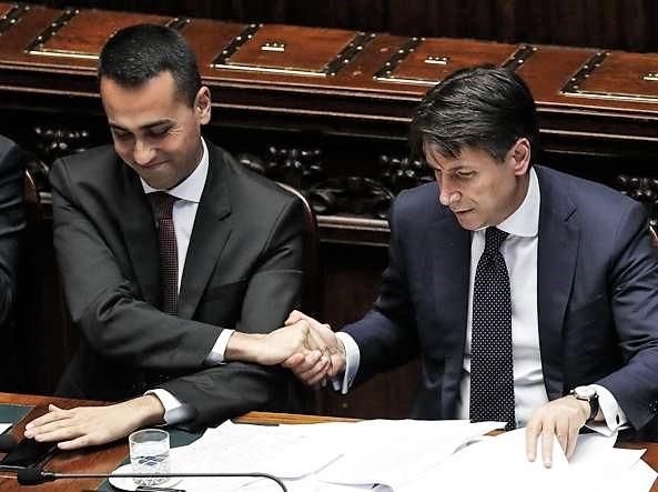 """L'assist di Conte a Di Maio: """"La Tav non mi convince"""". Scontro M5s-Lega su bandi"""