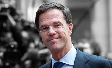 Olanda decide lockdown parziale, chiusi bar e ristoranti
