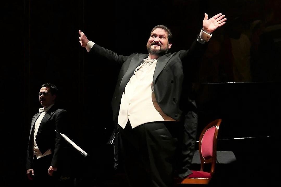 La serenata di Nicola Alaimo, un atto d'amore per Palermo