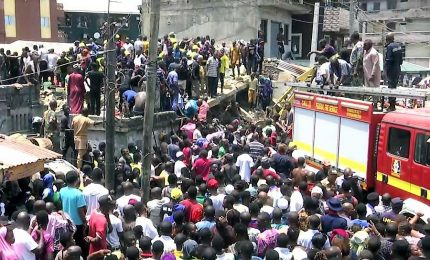 Crolla scuola elementare a Lagos, morti almeno 13 bambini