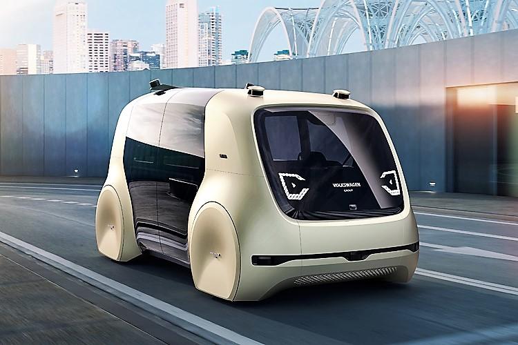 Smart road, dal ministero primo ok a guida autonoma su strada