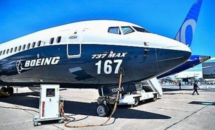 Boeing sospende voli degli 737 Max, anche Trump lascia a terra gli aerei