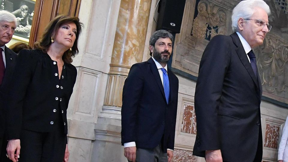 Mattarella vede Casellati e Fico, Autonomia in alto mare