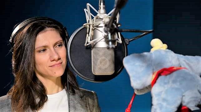 Elisa doppia e canta nella versione italiana di Dumbo di Tim Burton