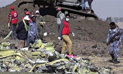 Precipita aereo ad Addis Abeba con 157 persone a bordo, tutti morti. Tra le vittime, otto italiani