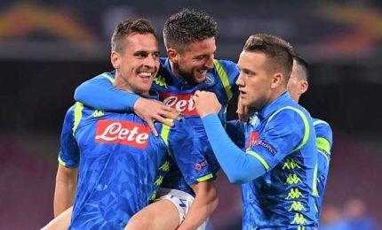 """Napoli cala il tris e """"vede"""" i quarti"""