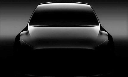 Tesla Model Y, svelato il Suv elettrico da 7 posti
