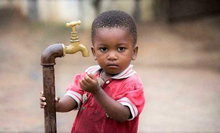 Unicef: più bambini uccisi da acqua non sicura che dai proiettili