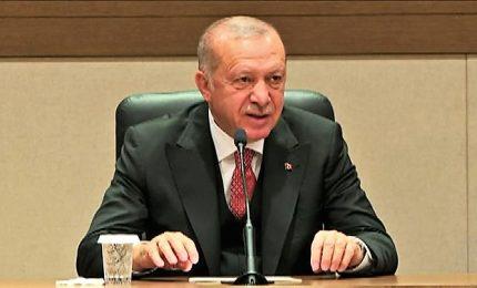 """Erdogan denuncia """"irregolarità organizzate"""" al voto di Istanbul"""