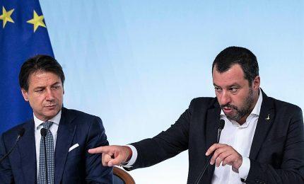 """Via libera a rimborsi a truffati da banche, no a """"Salva Roma"""". L'ira di Conte contro Salvini: """"Non siamo tuoi passacarte"""""""