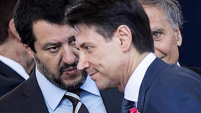 Conte-Salvini, un rapporto di odio-amore: dalla Tav ai litigi sui migranti