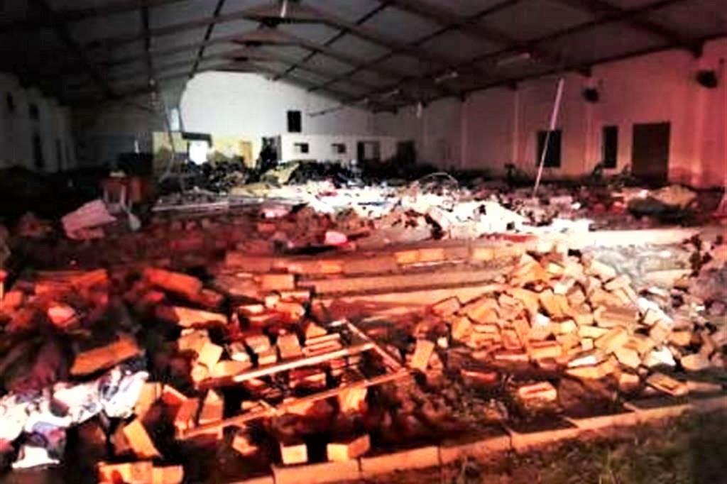 Sudafrica: crolla chiesa durante rito pasquale,13 morti