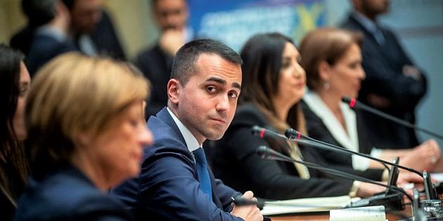 Di Maio sfida Salvini, M5S rilancia su conflitto interessi