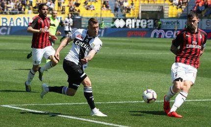 Magia Alves su punizione, Parma ferma il Milan