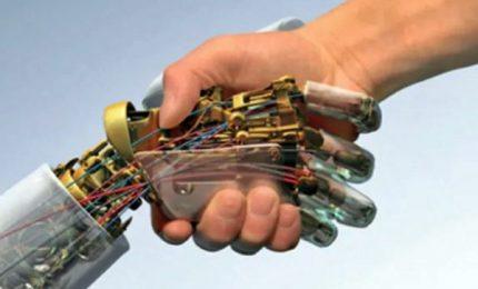 Una mano sensibile per robot Nasa grazie a sensori italiani