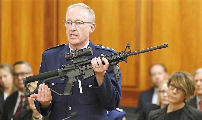 Arrestato a Christchurch con munizioni e bomba