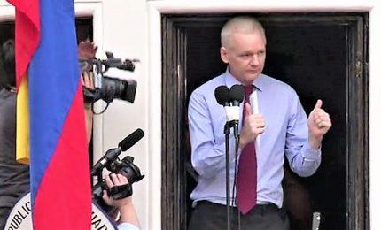Corte britannica si oppone a estradizione di Assange in Usa