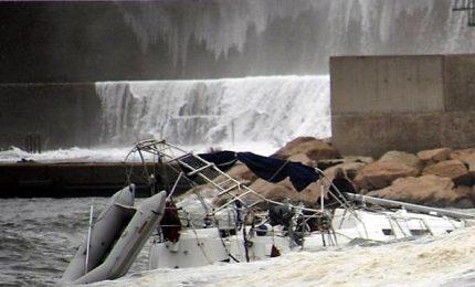 Mare forza 10, si rovescia barca e muore turista francese