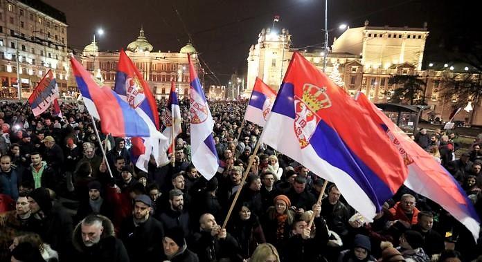 """Balcani, le nuove """"primavere"""" da Belgrado a Tirana"""