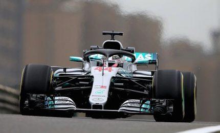 Le Mercedes volano, Bottas conquista la pole