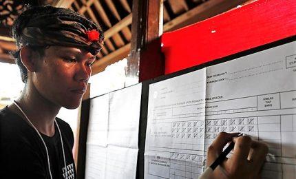 Indonesia, oltre 270 scrutinatori morti per stanchezza