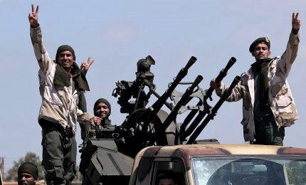 L'offensiva di Haftar non si arresta. Raffica di missili su Tripoli, almeno 2 morti