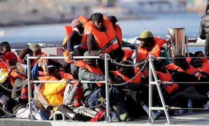 Migranti Ocean Viking in 5 paesi, 58 a carico della Cei