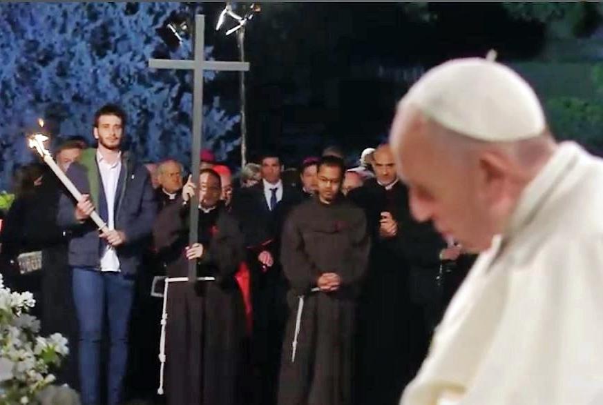 Papa: migranti, pedofilia, divisione nella Chiesa le croci di oggi