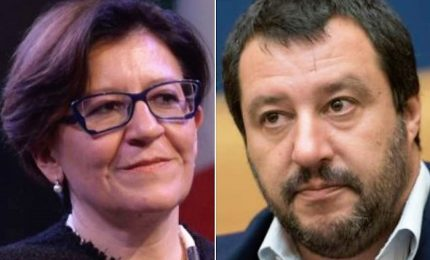 Migranti, la crisi fa deflagrare scontro Salvini-Trenta