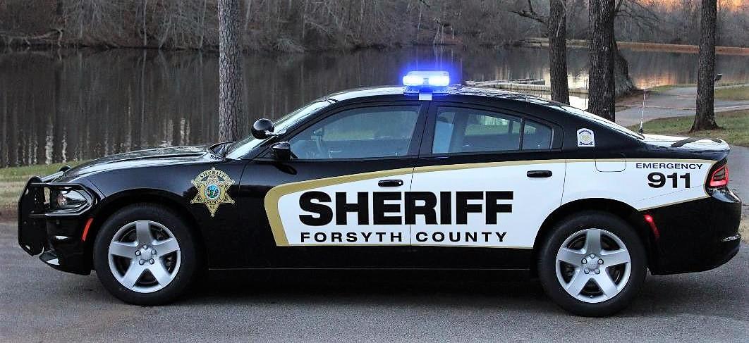 Bimbo di 4 anni spara su bambina di 6, la pistola trovata in auto