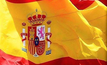 Spagna al voto con rischio ingovernabilità. Socialisti verso vittoria